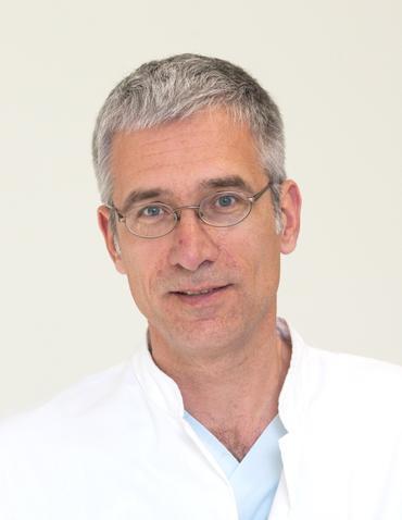 """Prof. Dr. André Gries, Sprecher der Sektion """"Strukturen Klinische Akut und Notfallmedizin"""" der <span>DIVI</span>. Foto: © Universitätsklinikum Leipzig"""