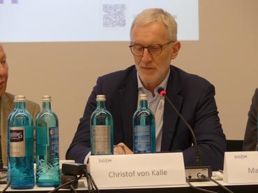 Prof. Dr. Christof von Kalle, Pressekonferenz <span>DGIM</span>-Kongress 2019 © coliquio GmbH