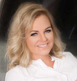 Kirsten Altvater, Zahnärztin mit dem Schwerpunkt zahnärztliche Chirurgie und Implantologie